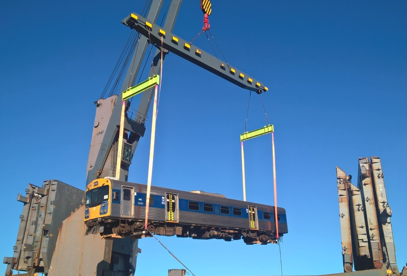 auckland�s diesel trains get new life in mozambique